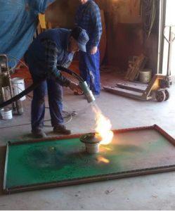 Gorący natrysk tworzyw termoplastycznych PE i PP